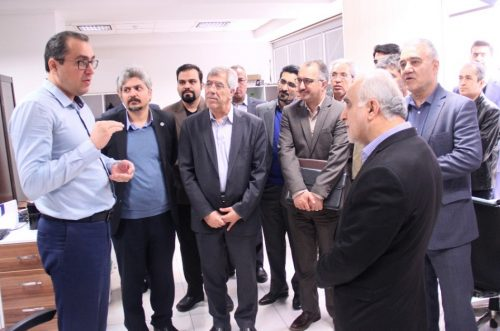 وزیر اقتصاد: دانشگاه شریف قابلیت ورود به عرصه اقتصاد هوشمند را دارد.